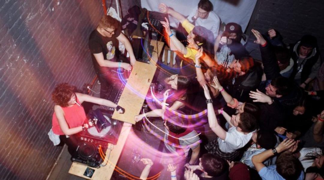 Творческие клубы в москве видео из стриптиз баров